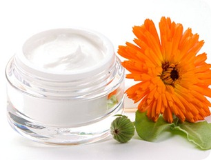 home-made-face-cream-essential-oil