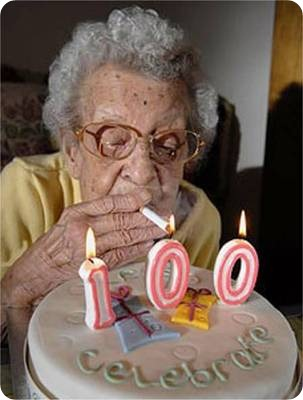 funny-old-lady-smoking